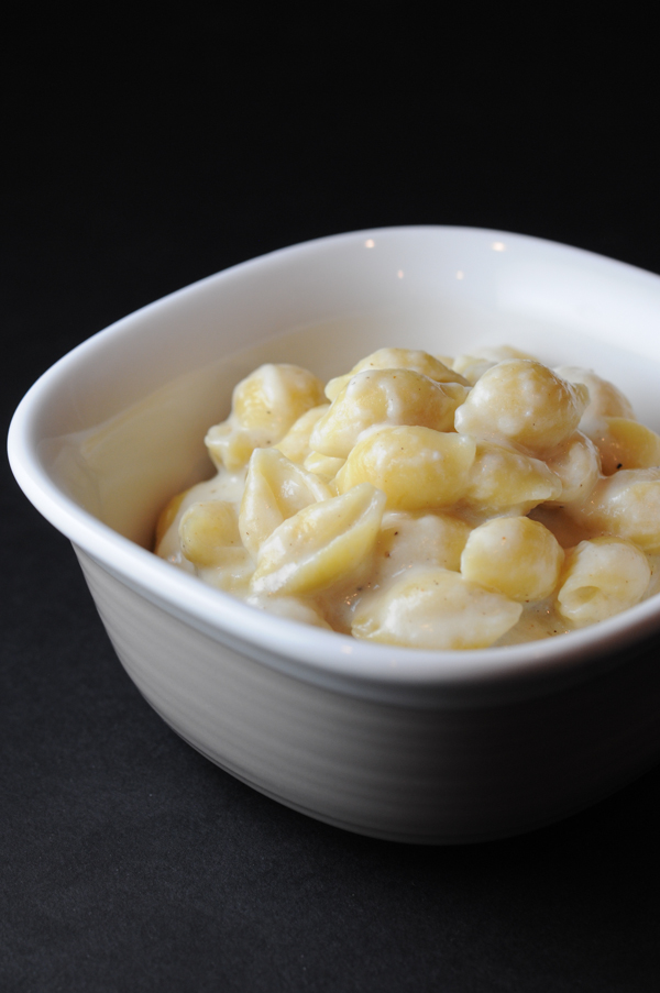 Creamy and Cheesey Macaroni and Cheese